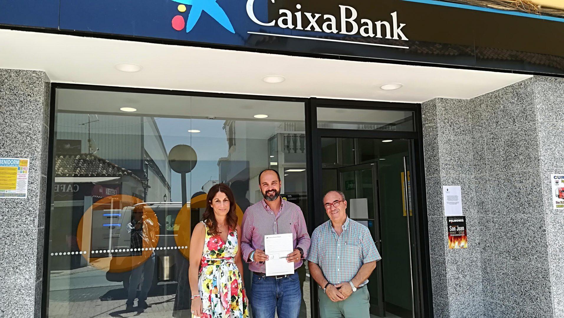 La Ayuntamiento Nueva Con Al Una Anfibia Silla Caixa Permite Contar A3Rj5L4