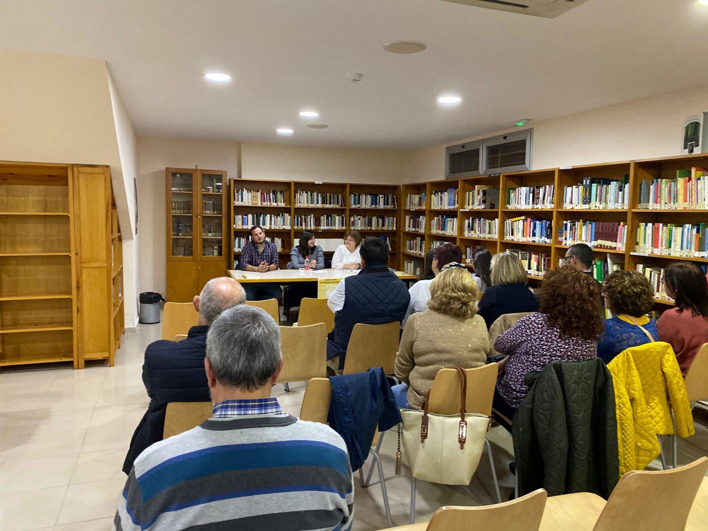 La Biblioteca acogió la presentación de 'La Heredera de Enendor', de Leticia Arteaga - Noticias de la Villa