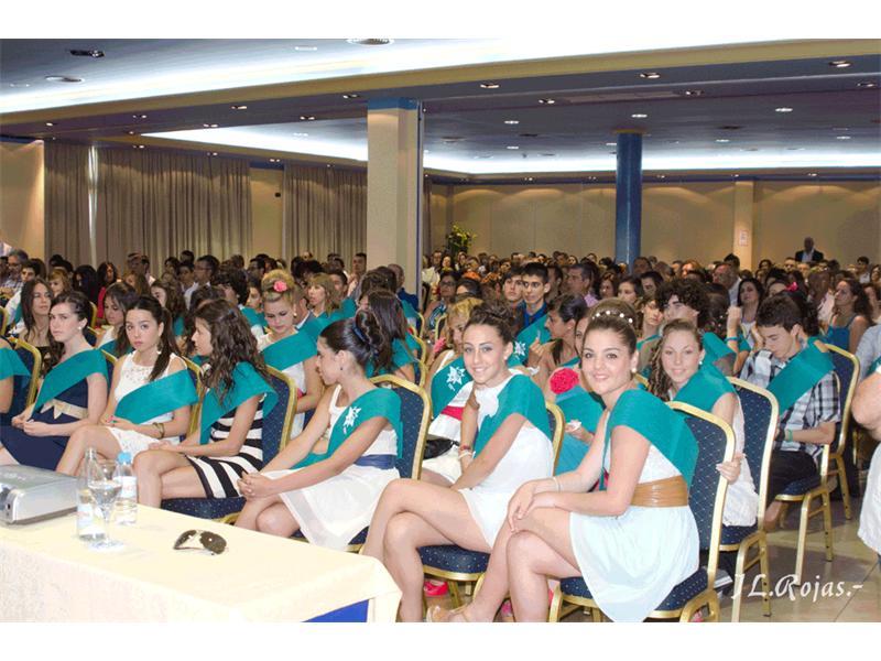 El Carlos Cano celebró la graduación de los alumnos de cuarto de ESO ...